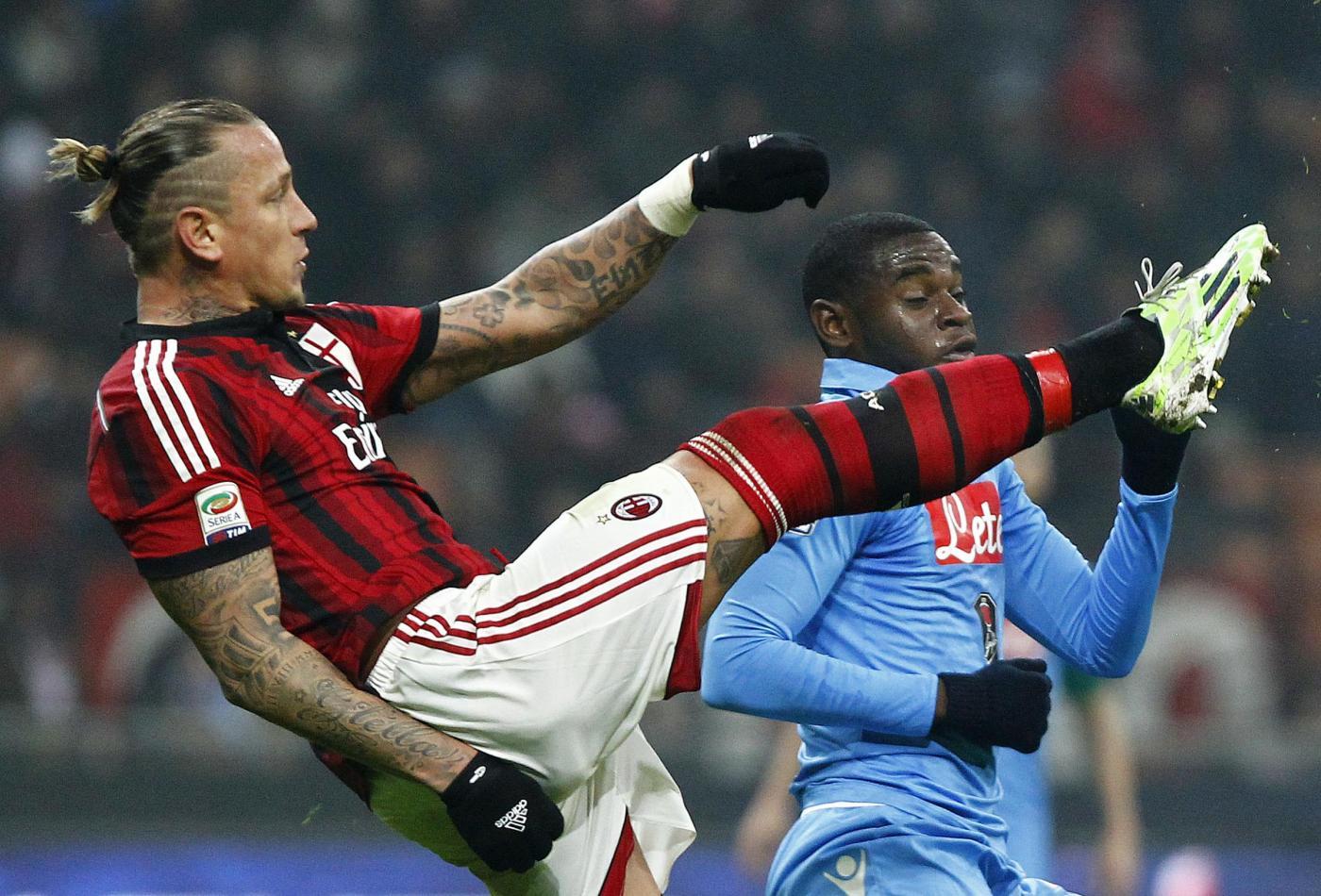 Napoli vs Milan 3-0: rossoneri in dieci per tutto il match