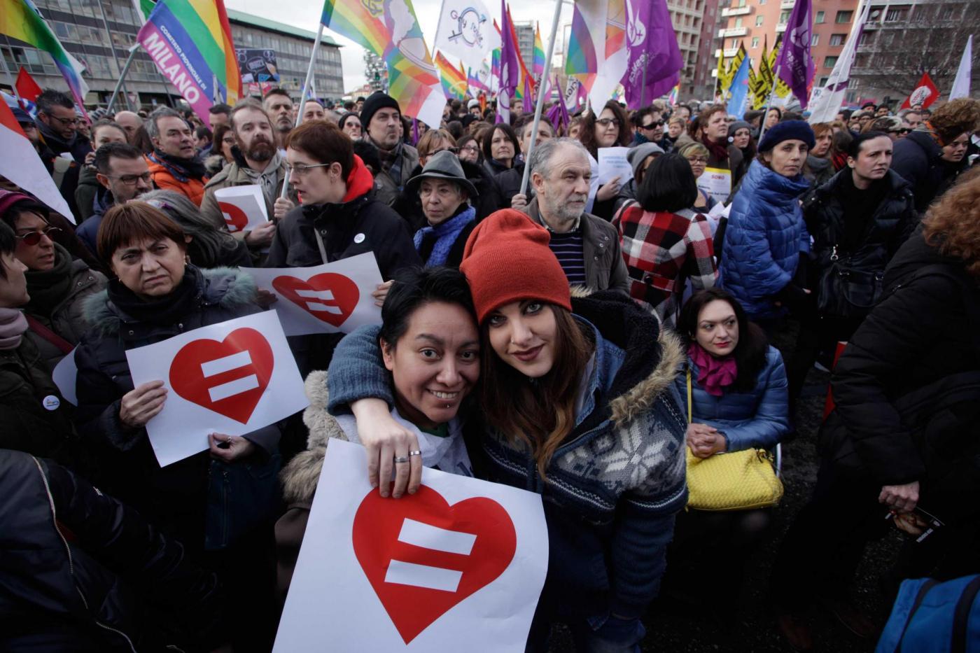 Giornata contro Omofobia, transofobia e bullismo: violenza e discriminazioni offendono tutti