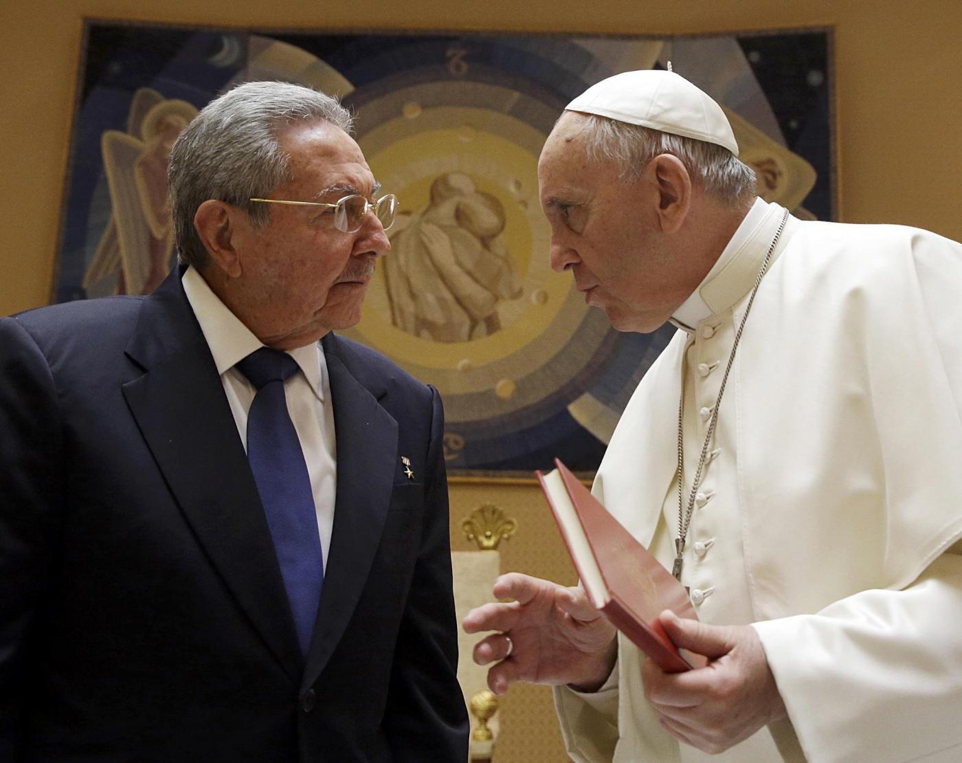 Raul Castro incontra papa Francesco e Renzi: toni cordiali in vista di future collaborazioni