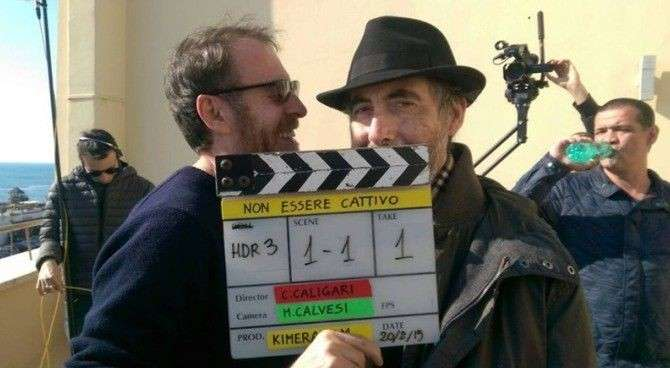 Caligari e Mastandrea sul set