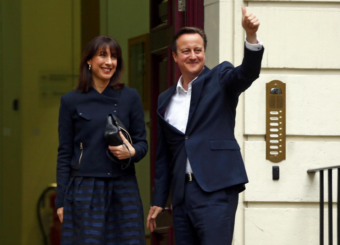 Vittoria di Cameron in Gran Bretagna: avanza il fronte degli euroscettici