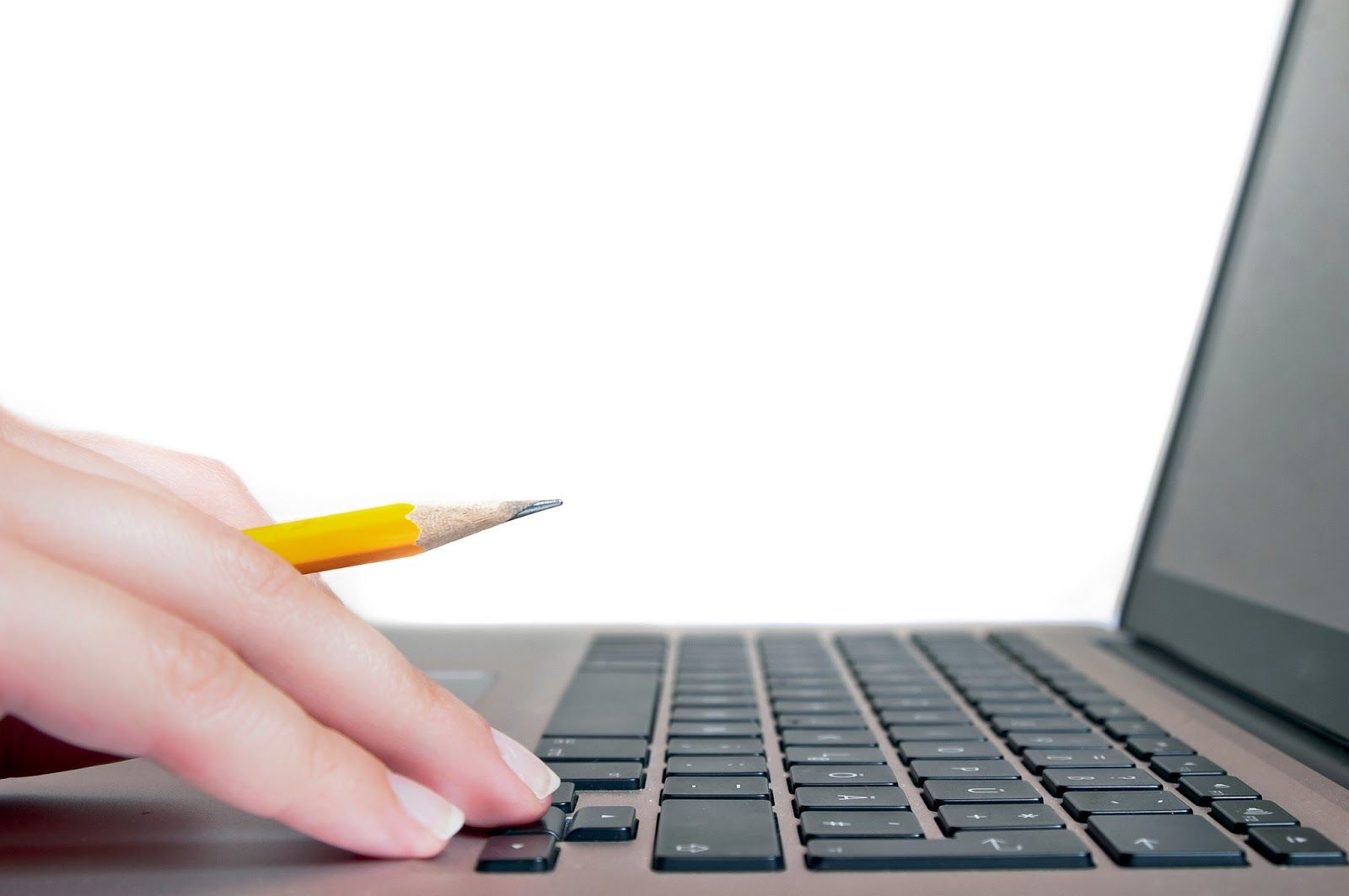 Si scrive online o on line?