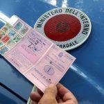 """Automobilista fermato 15 volte senza patente: """"non riesco a passare l'esame"""""""