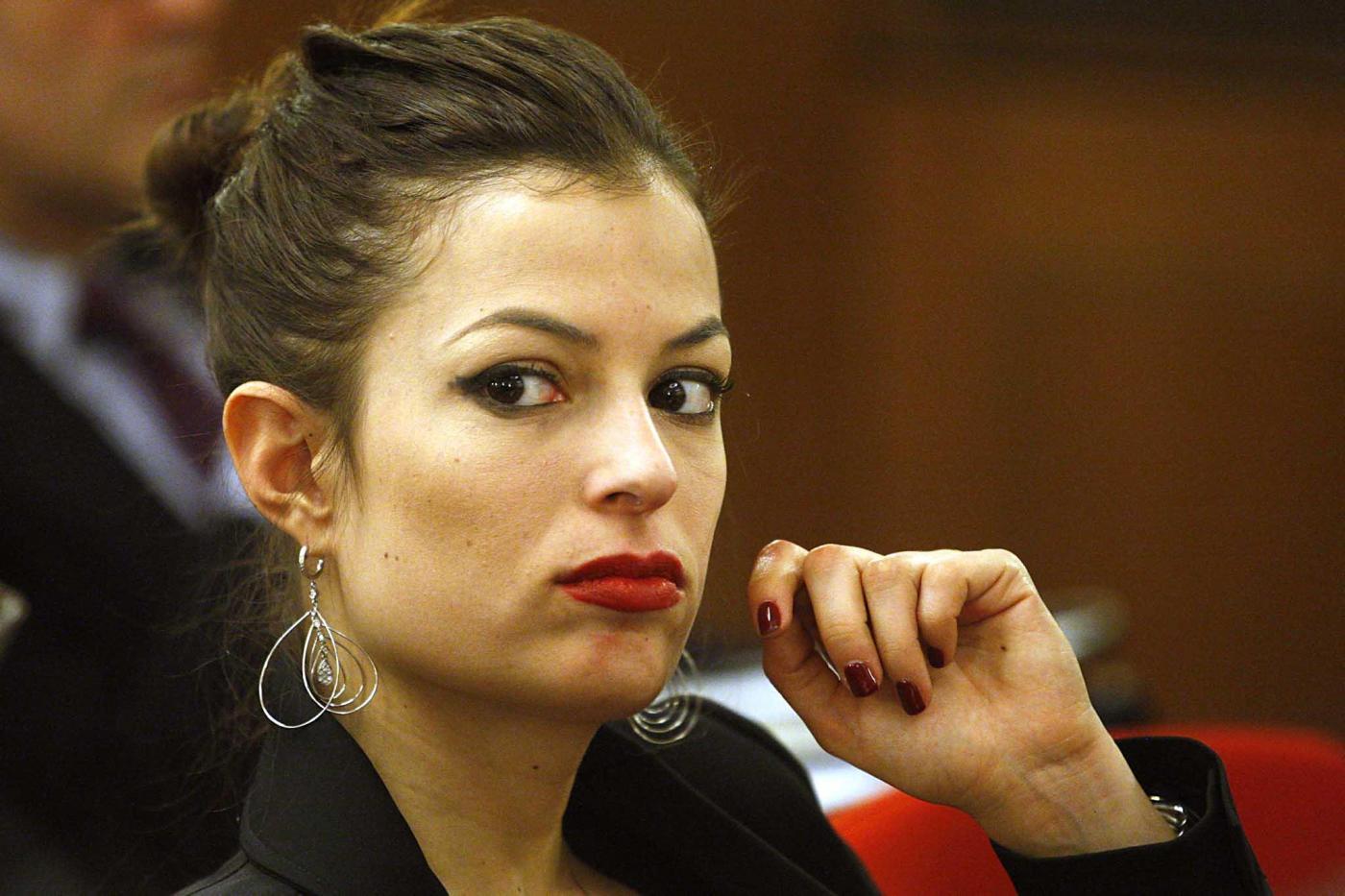 Sara Tommasi e Andrea Diprè sposi? La showgirl annulla il matrimonio: 'Sono stata sfruttata'