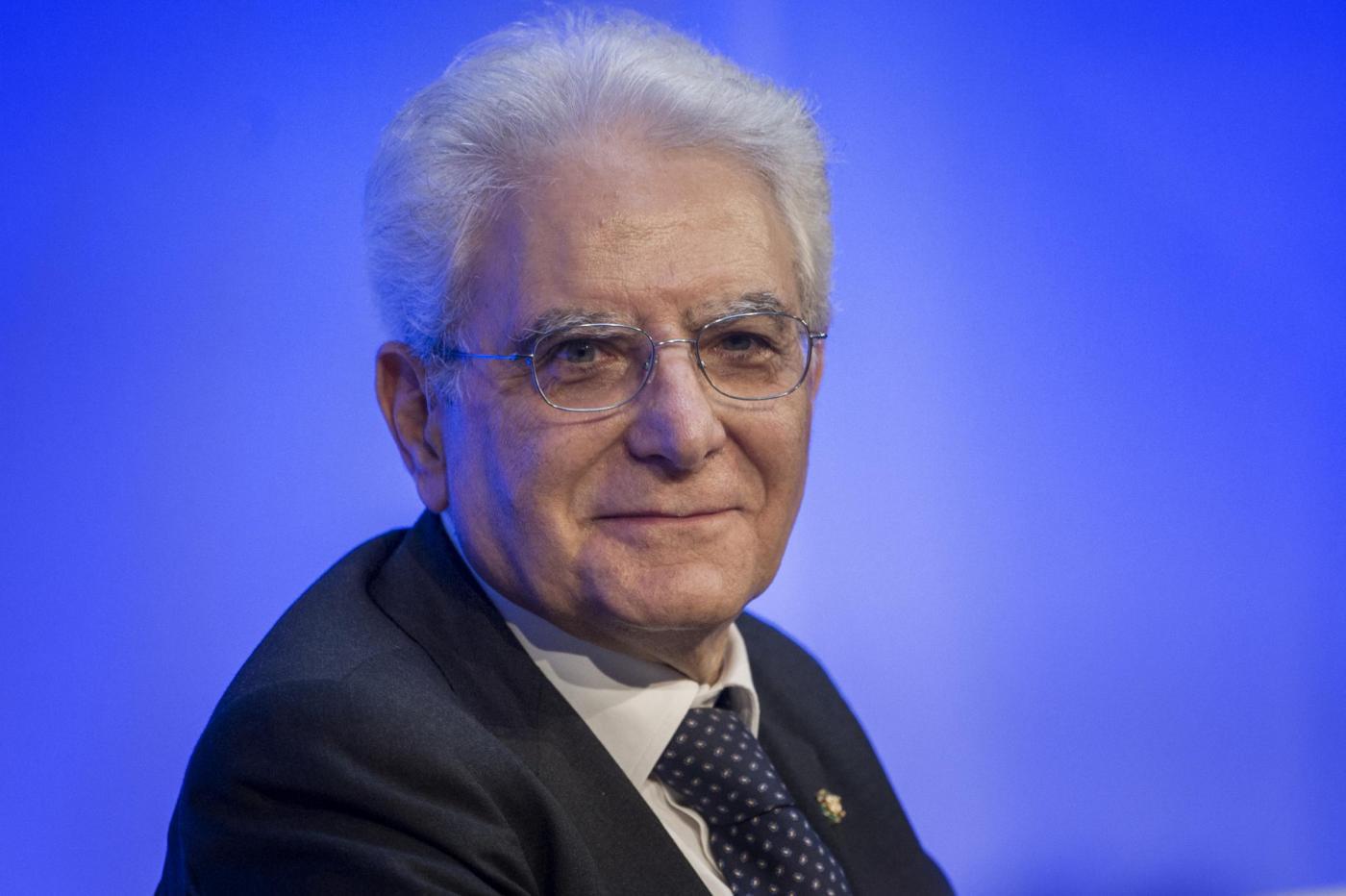 Sergio Mattarella si taglia la pensione