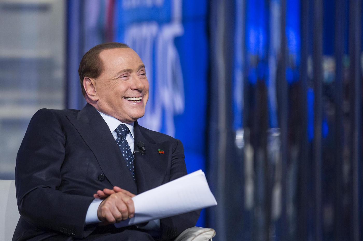 Gaffe di Silvio Berlusconi a Porta a Porta: chiama Bruno Vespa 'dottor Fede'