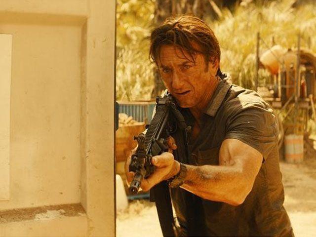 The Gunman trailer italiano trama