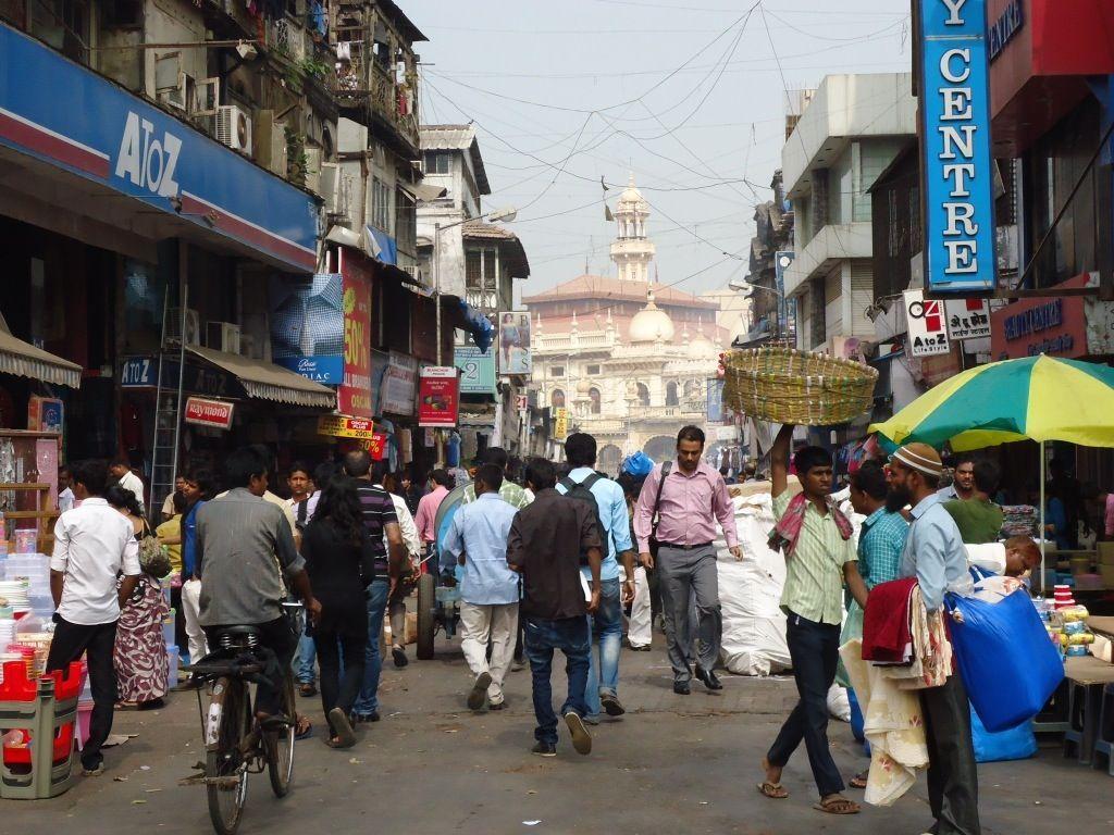 India: bevono un liquore economico e muoiono in 25
