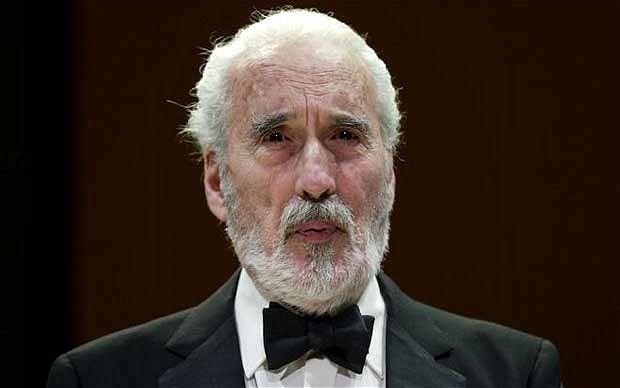 Christopher Lee è morto: addio a 'Dracula', aveva 93 anni