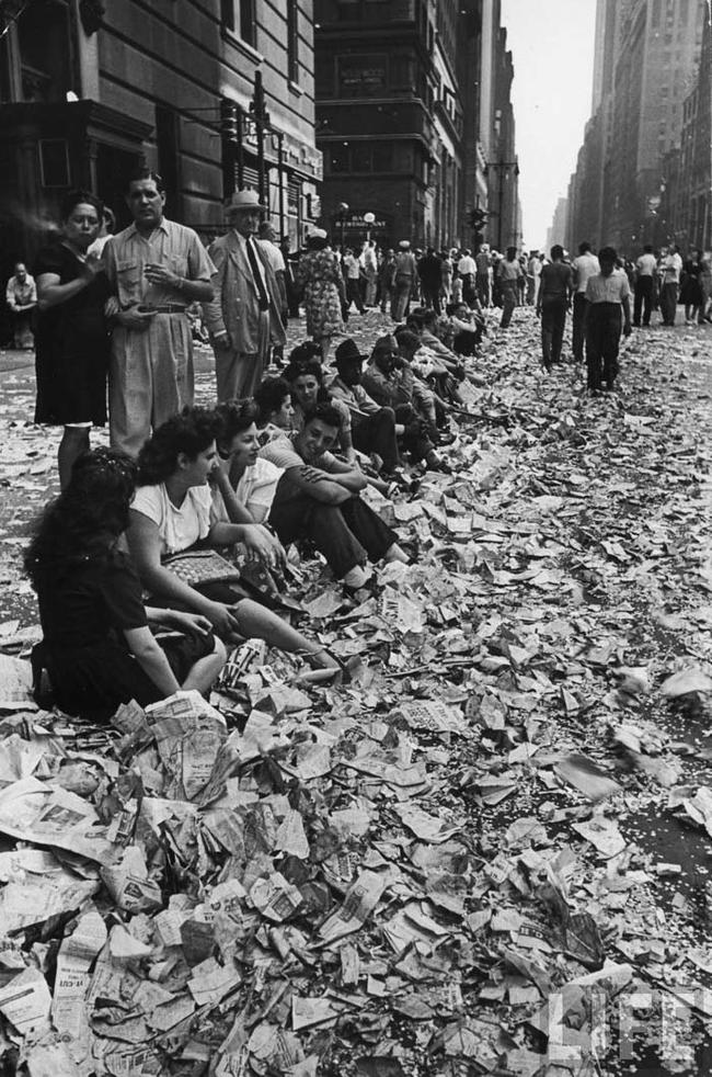 Dopo la parata di fine guerra mondiale