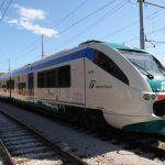 Trenitalia in Veneto: Minuetto senza sedili, pendolari in piedi per le biciclette