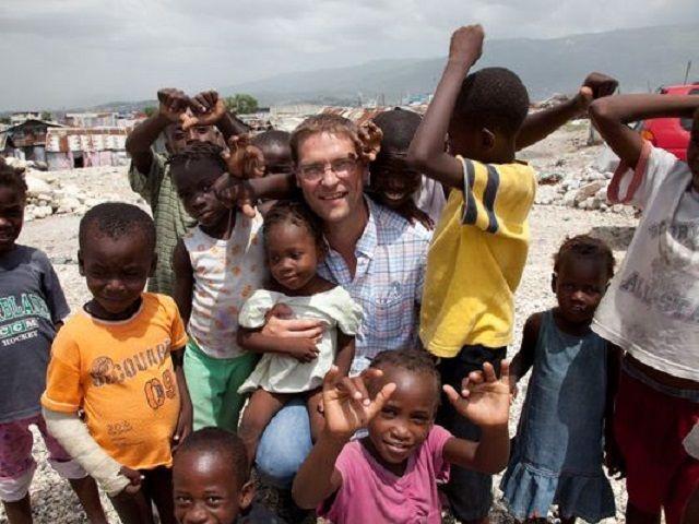 """Il pescatore che sfama un milione di bambini ogni giorno: """"Un pasto può nutrire il mondo"""""""