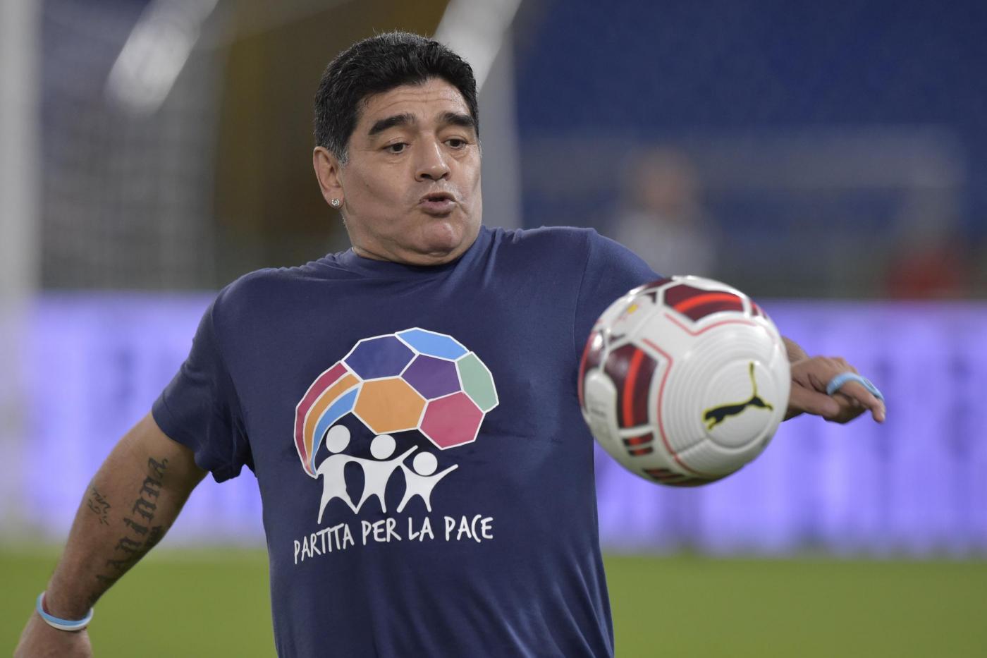 Maradona attacca Higuain e Icardi prima della Partita della Pace