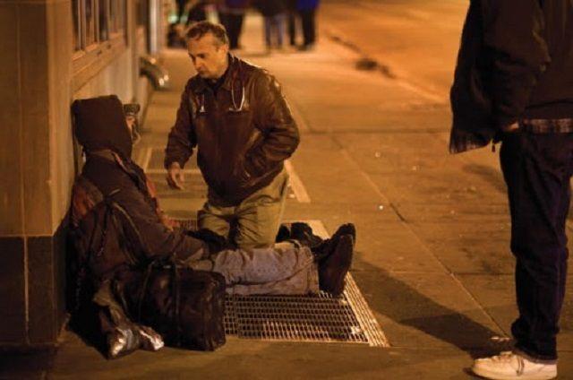 Il medico dei senzatetto che ha curato oltre 10 mila persone