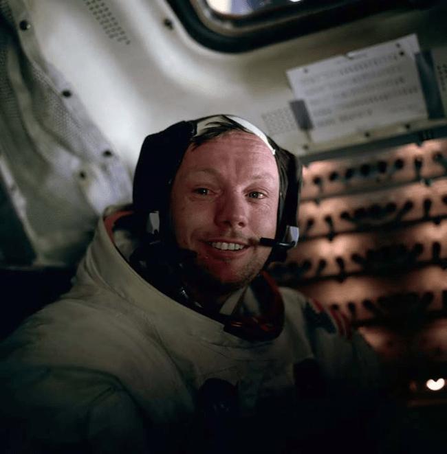 Neil Armstrong dopo aver camminato sulla Luna