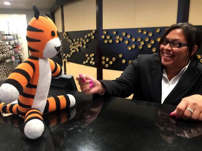 Le avventure di una tigre peluche smarrita all'aeroporto di Tampa
