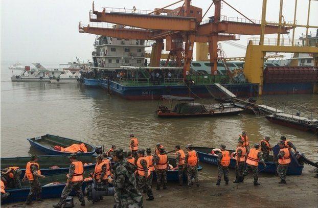 Cina, nave affonda nel fiume Yangtze: oltre 400 dispersi
