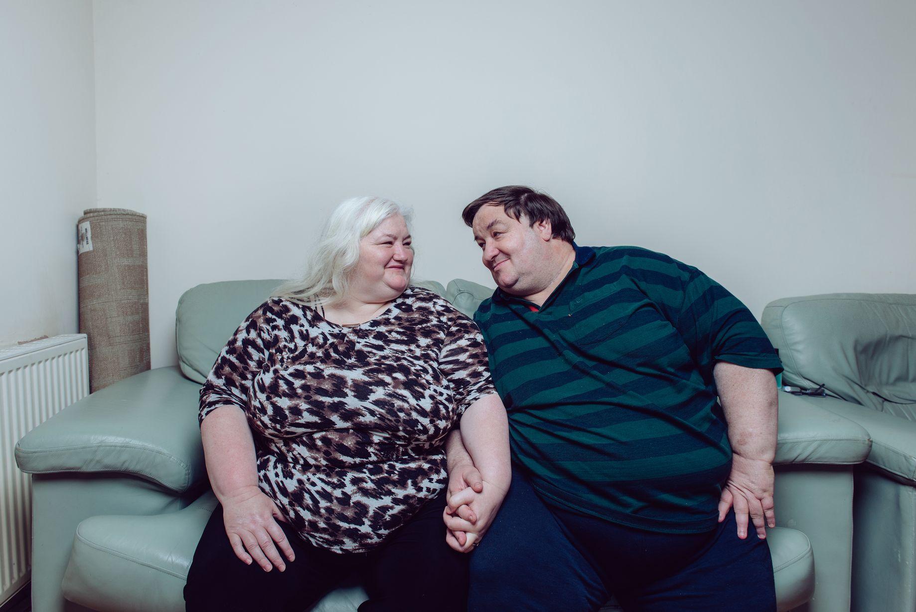Troppo grassi per fare l'amore: coppia dimagrisce e corona il suo sogno
