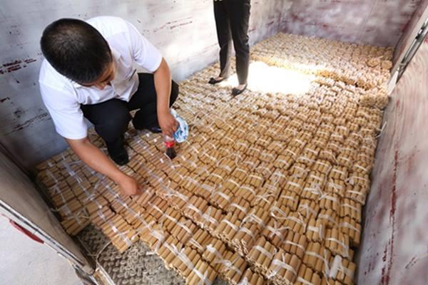 Auto di lusso: cinese paga 100.000 euro in monete