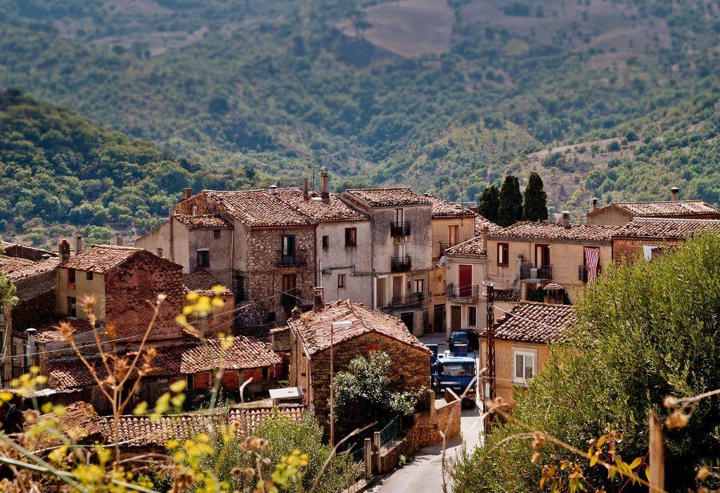 Casa gratis in Sicilia (basta che paghi la ristrutturazione)