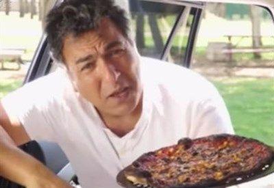 """Spot contro i bambini lasciati in auto: """"E' come un forno, puoi cuocere la pizza"""""""