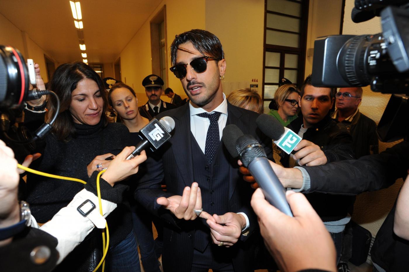 Fabrizio Corona esce dal carcere: andrà nella comunità di don Mazzi