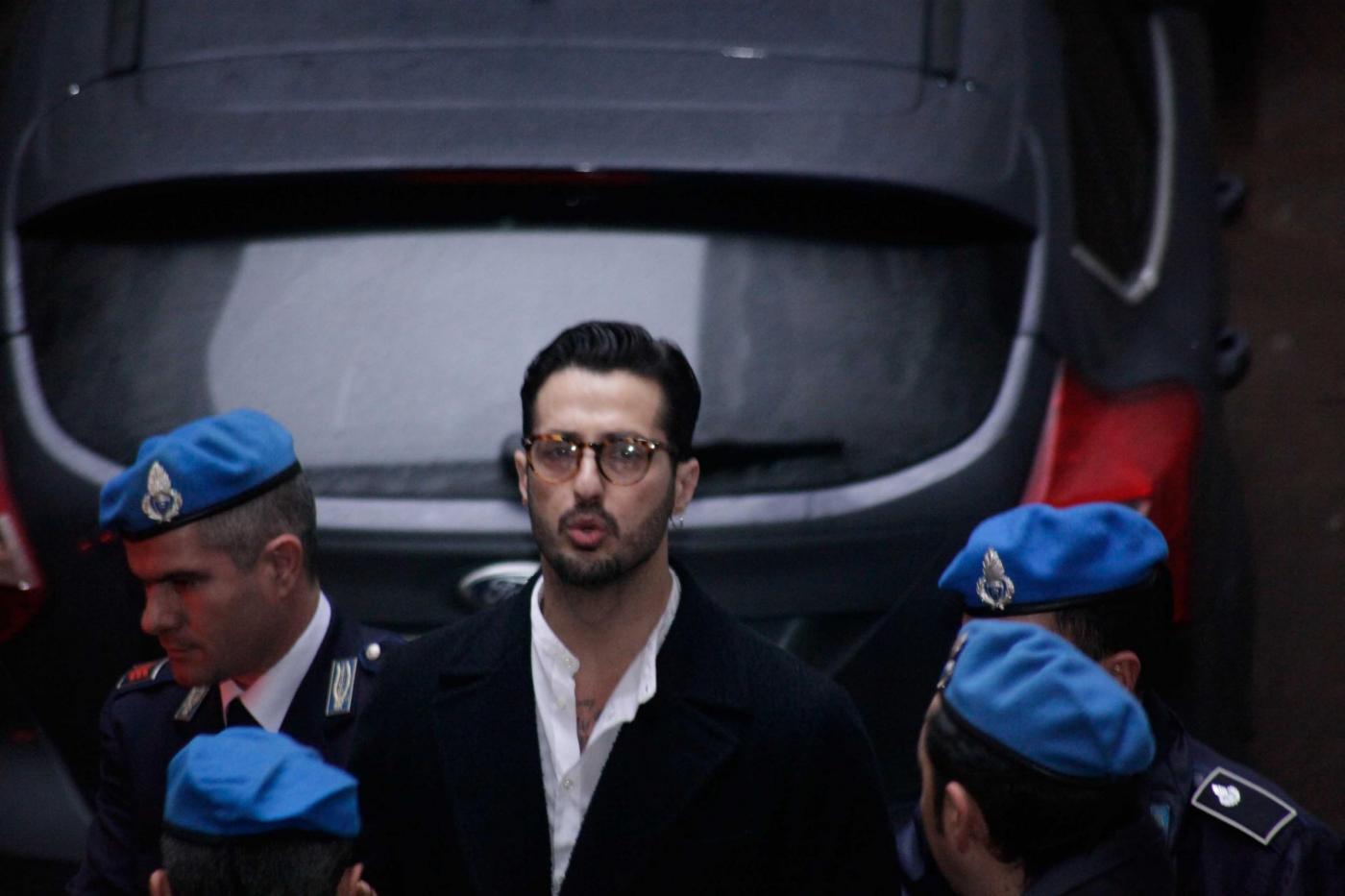 Fabrizio Corona, la nuova vita fuori dal carcere: 'Qui sto bene'