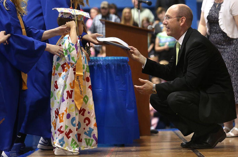 Diploma onorario per un bambino di sei anni gravemente malato