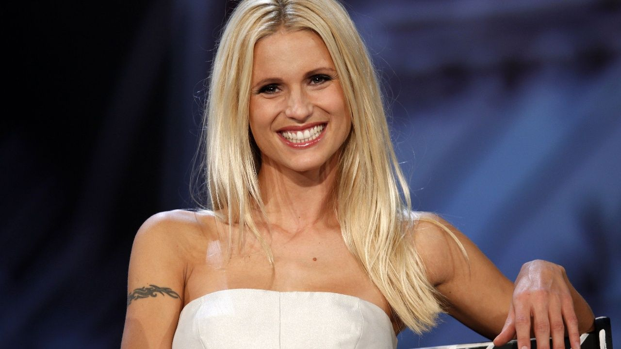 Michelle Hunziker torna a Striscia la Notizia ma dice no ai talent show