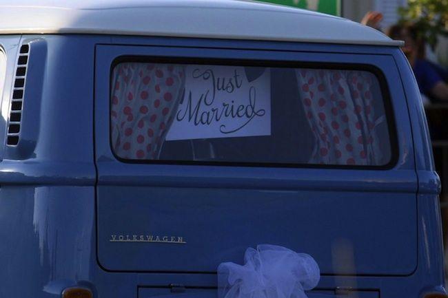 Scherzo di nozze finisce male: ricoverato lo sposo