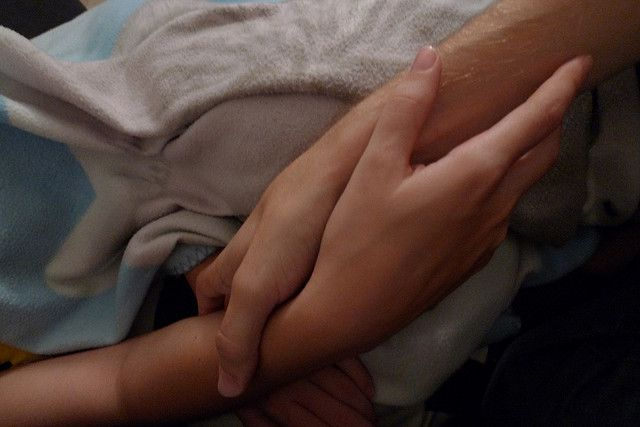 Omar, 16enne malato di leucemia, sposa la fidanzata prima di morire