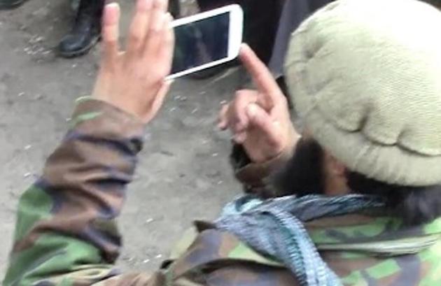 Gli USA colpiscono una base dell'Isis grazie ad un selfie
