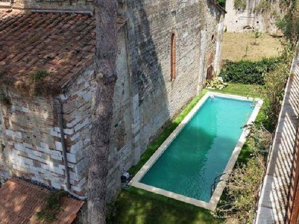Pisa: costruiscono una piscina dietro la chiesa di San Zeno