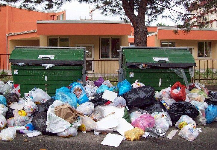 Emegenza rifiuti
