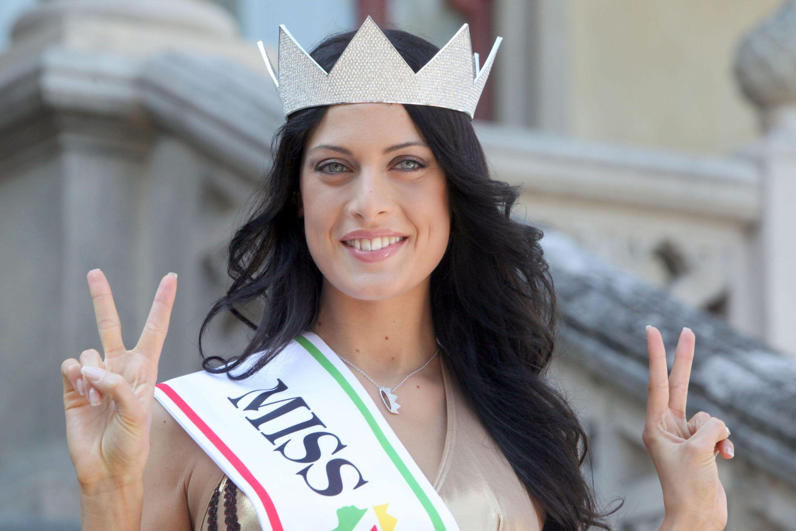 Francesca Testasecca, l'ex Miss Italia ingrassata dopo l'intervento: le forme ne risentono