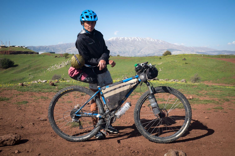 Ciclista donna batte il record sul percorso di mountain bike più difficile del mondo