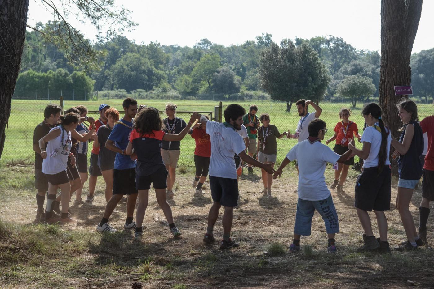 12enne rifiutata dai campi estivi perché 'troppo viziata', i genitori protestano con la Diocesi
