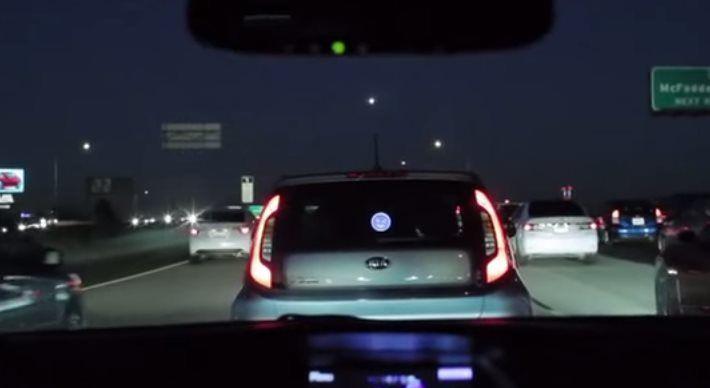 Guida intelligente: MotorMood la faccina per dire 'grazie'
