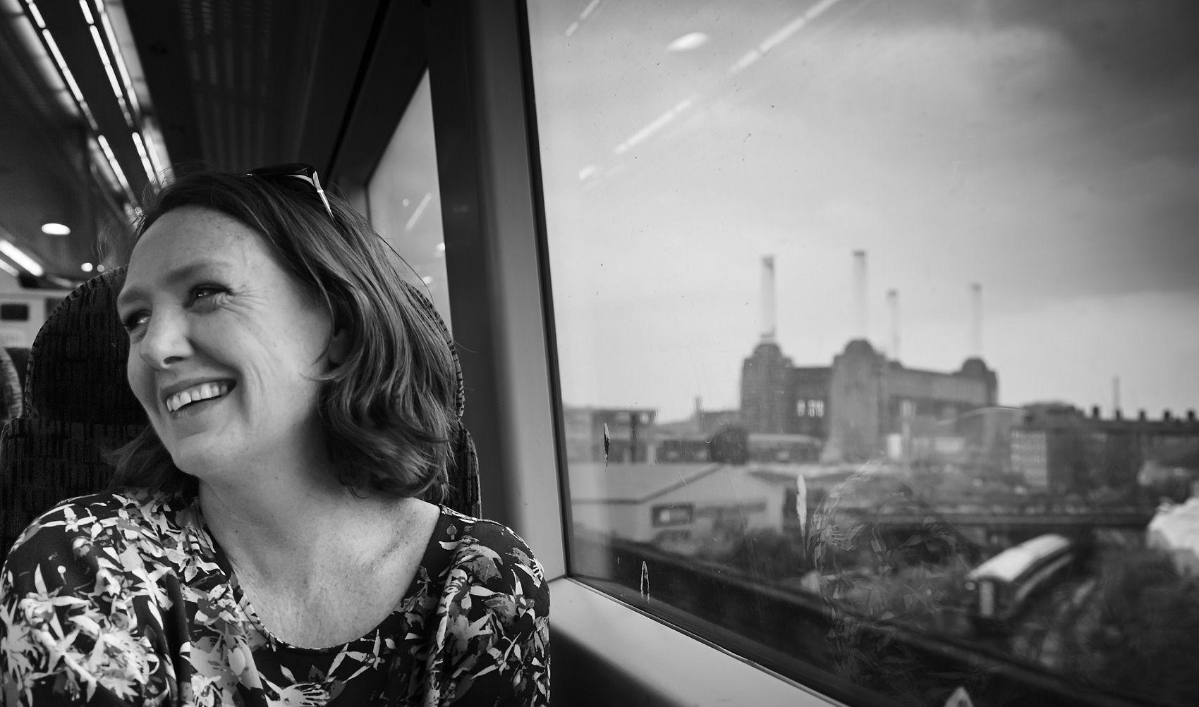 'La ragazza del treno', il libro di Paula Hawkins: trama