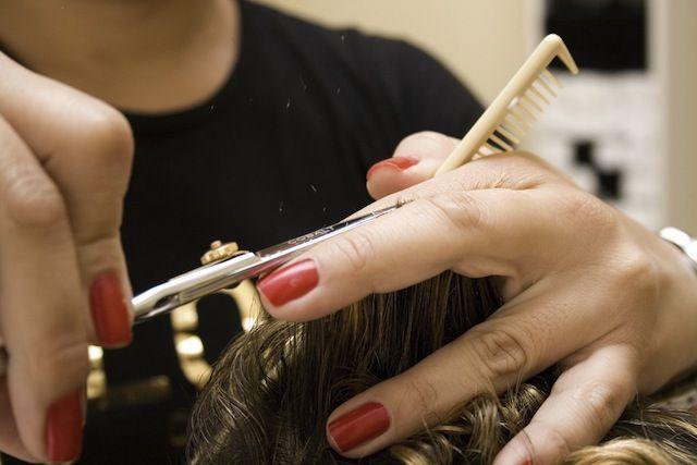 Truffa nel salone della parrucchiera