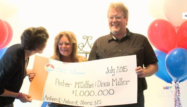 Colpito dal fulmine sopravvive e vince pure la Lotteria