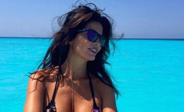 Laura Torrisi: su Instagram pubblica foto mozzafiato mentre è in vacanza al mare
