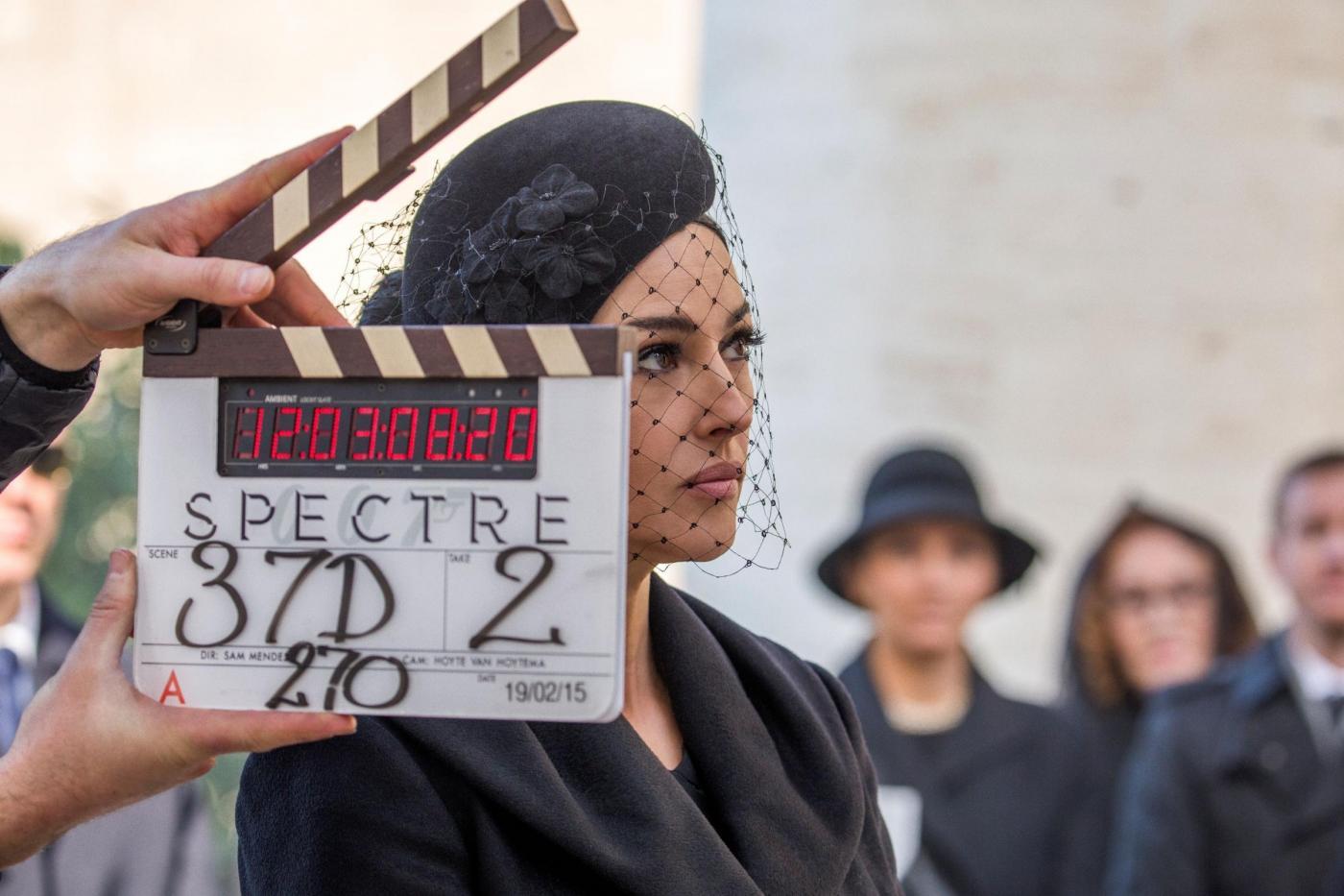 Monica Bellucci e Daniel Craig: l'attrice ha un flirt con James Bond di 007 Spectre?