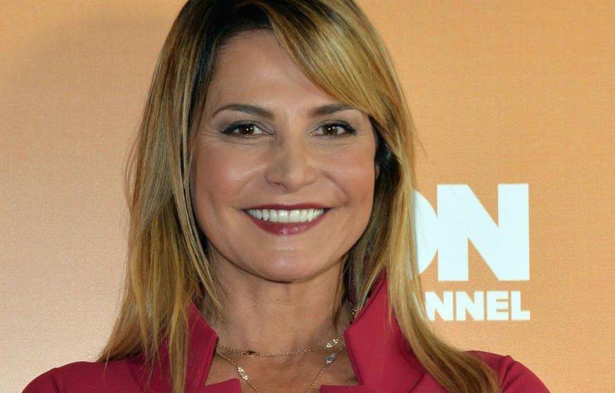 Simona Ventura, i figli e la tv, la conduttrice si racconta: 'La grinta non mi è mai mancata'