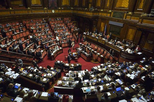 Riforma del Senato, record di emendamenti: minoranza PD e opposizioni uniti contro Renzi