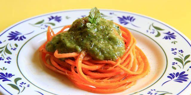 spaghetti crudisti pesto
