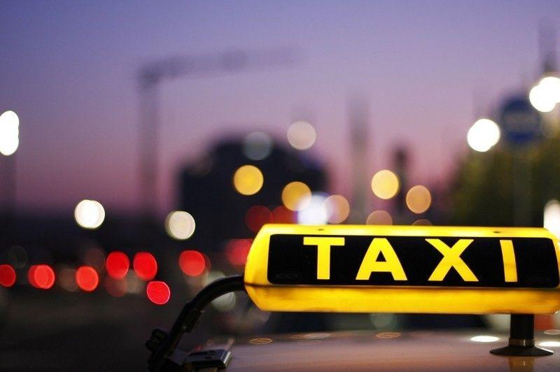 Truffa dei 50 euro in taxi: attenti ai tassisti disonesti