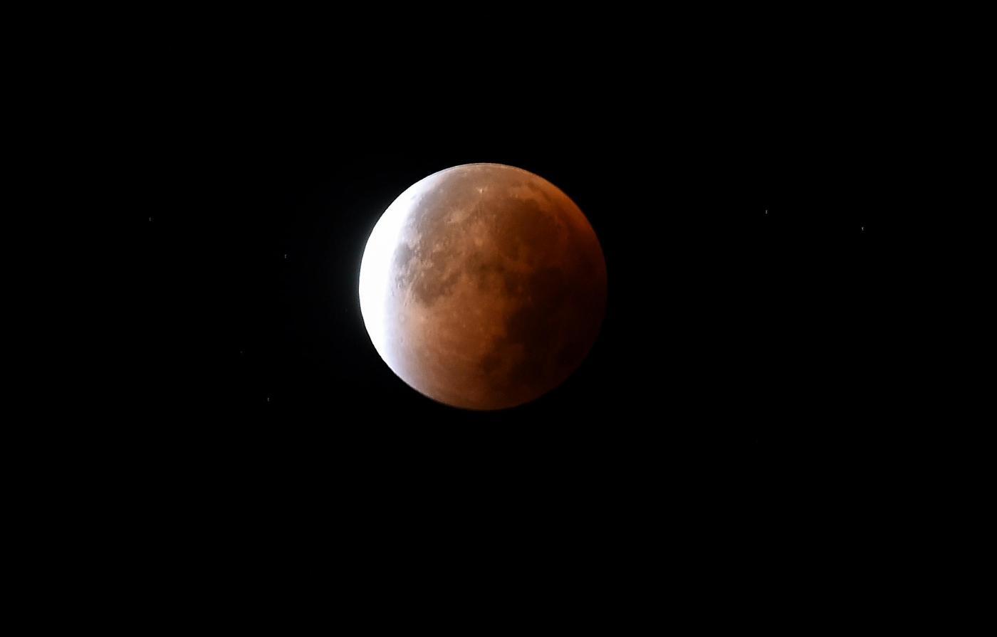 eclissi super luna
