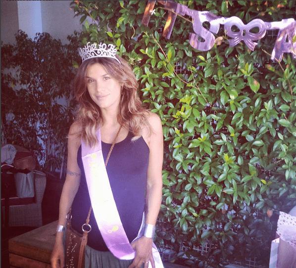 Elisabetta Canalis mamma in attesa: festa con le amiche prima del parto