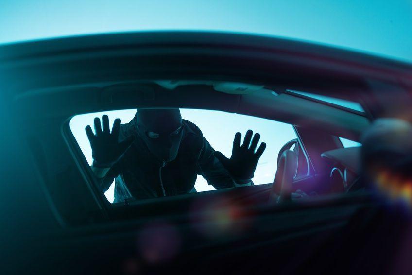 Assicurazione furto e incendio: più auto rubate meno polizze per copertura